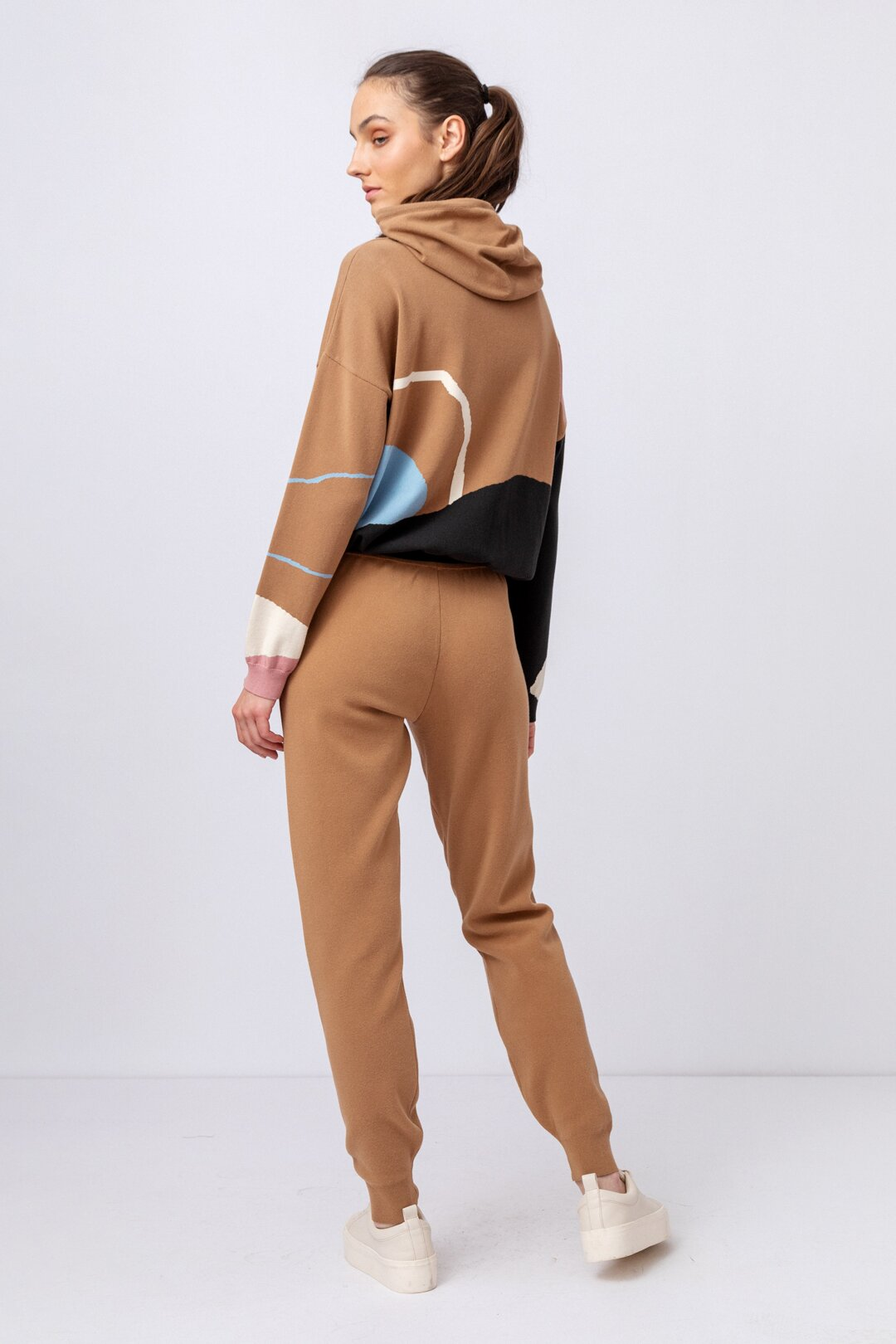 outfit-7c8a0001
